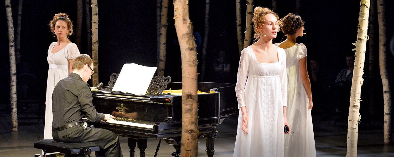 «Русскiй романсъ» в Театре наций: из пустоты, с любовью