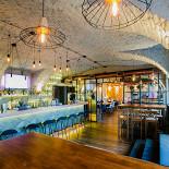 Ресторан Ozz - фотография 4 - Контактный бар с большим выбором коктейлей