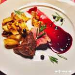 Ресторан Ясли - фотография 1