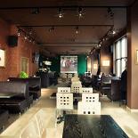 Ресторан Антоновка - фотография 3 - Можно посмотреть спортивные события на большом экране или прийти толпой и поиграть в мафию...место хватит!