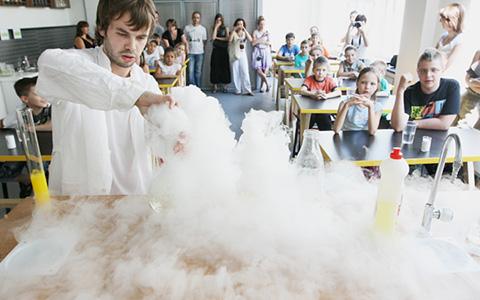 Занимательная химия в музее «Экспериментаниум»