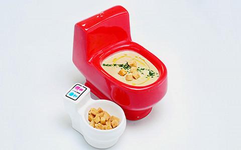Туалетное кафе на Арбате: горшочек, не вари!