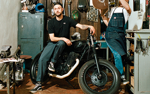 «Голый металл, швы наружу»: владельцы мотомастерских о том, как строят мотоциклы