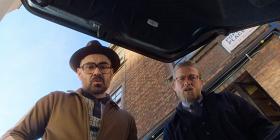 Колин Фаррелл и Чарли Ханнам допрашивают заложника в отрывке из фильма «Джентльмены»