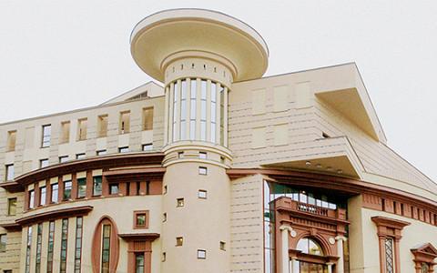 «За пределами хорошего вкуса»: московские архитекторы — о новом здании Et Cetera