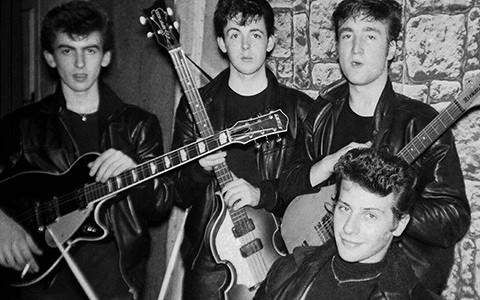 Первый барабанщик The Beatles, клавишница The xx и другие музыканты-неудачники
