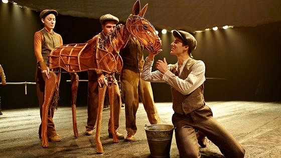 Боевой конь (War Horse)