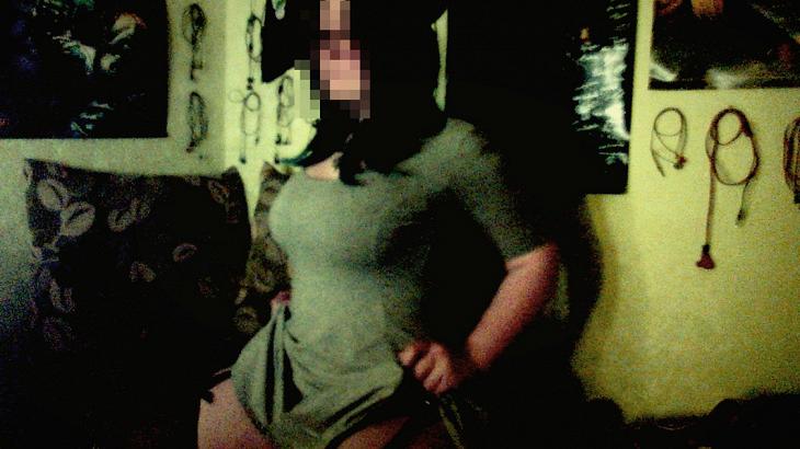 голая девушка вебкам эротика на работе с парнем