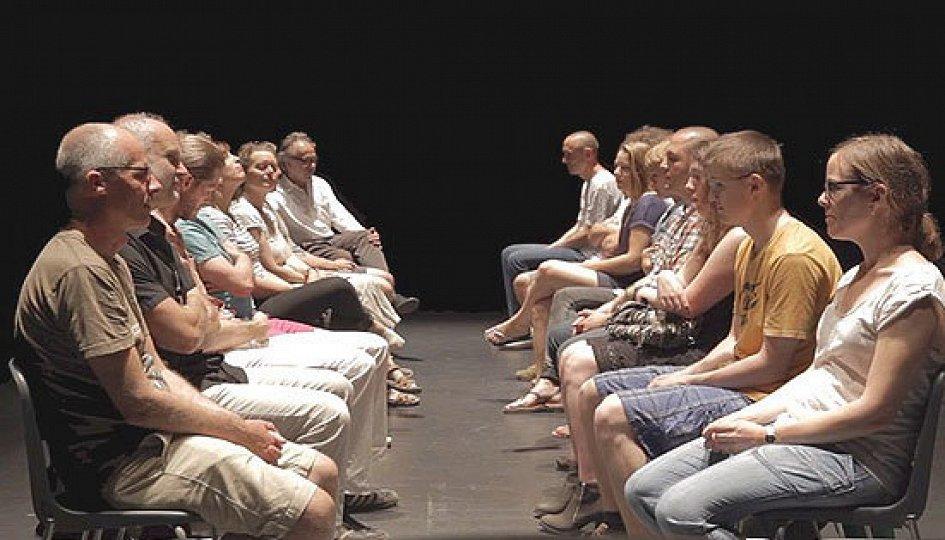 Театр: Questioning/Кто ты?