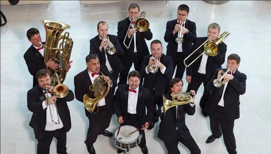 Концерты: «Карлсон, который живет в филармонии»: «Сибирский брасс»