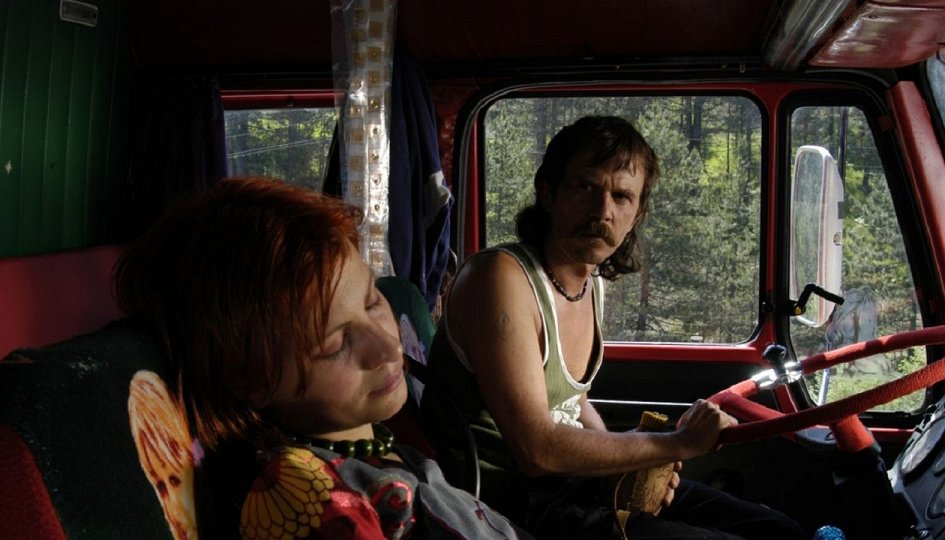 Кино: «Красно-серый грузовик»