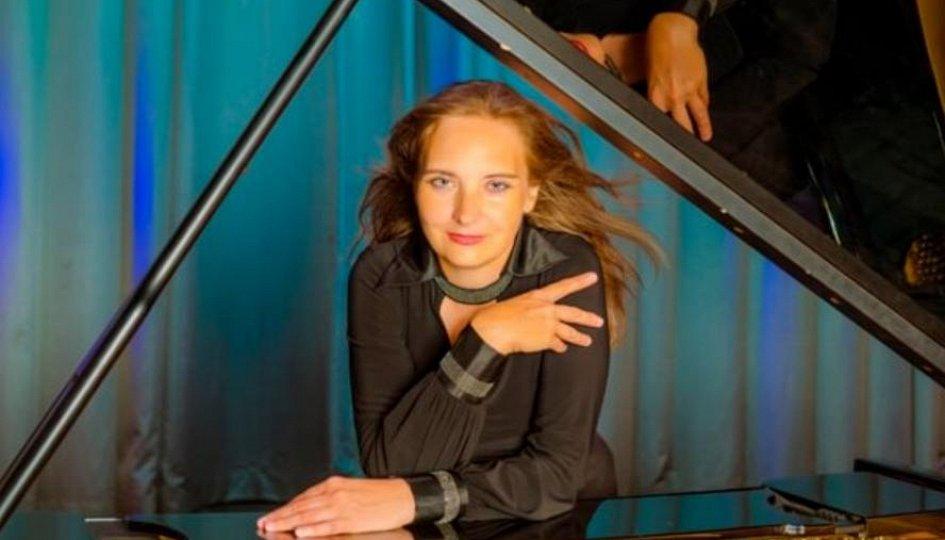 Концерты: «Новогодние подарки»: Наталья Гущина