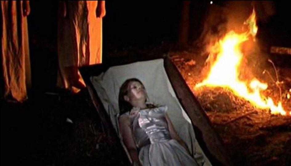 Кино: «Загадка старого кладбища»
