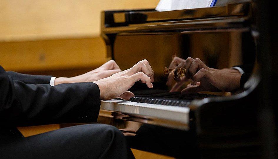 Концерты: Василий Заболотний (фортепиано)