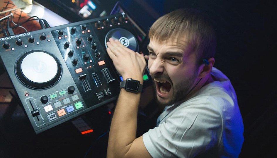 Концерты: «Горячая суббота»: DJs Kovalev, Loboykoff