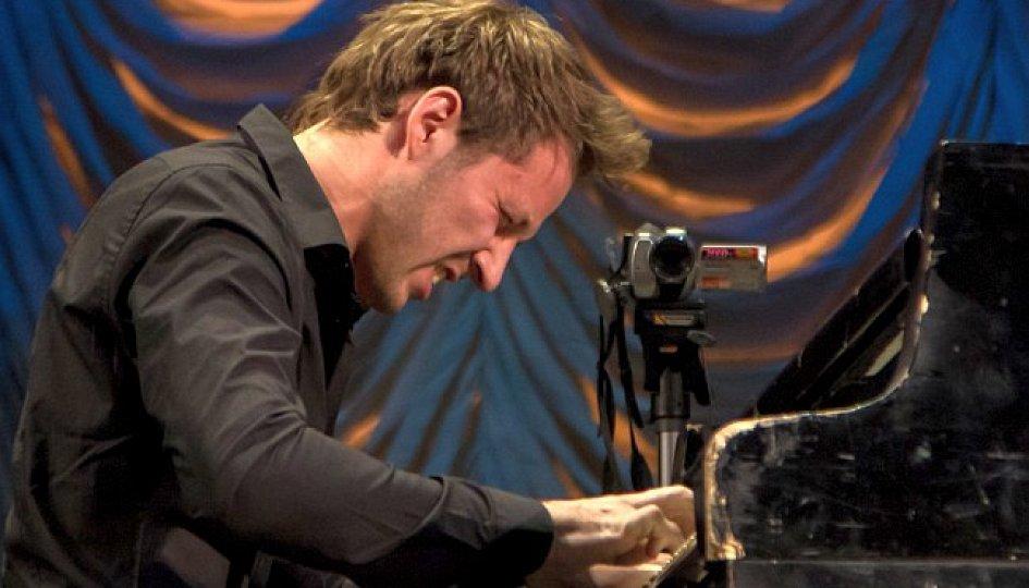 Концерты: Андрей Константинов и трио Дениса Галушко