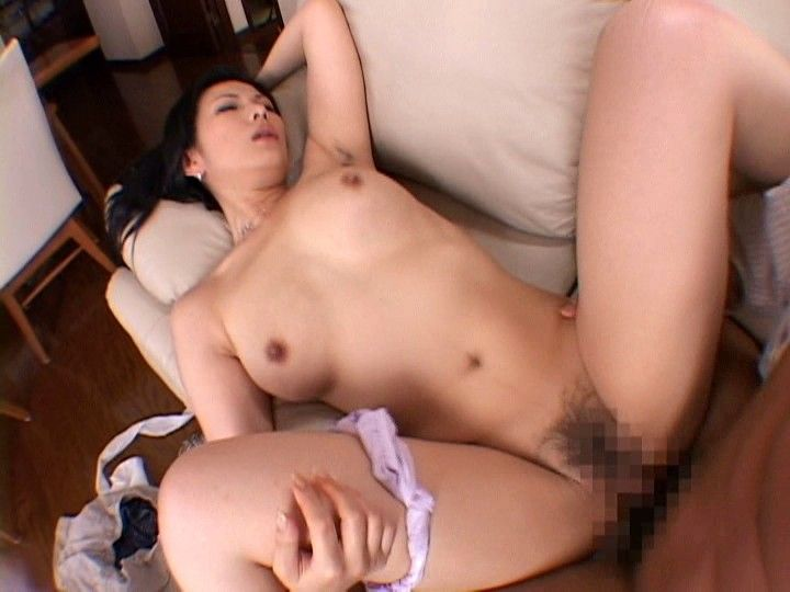 uncensored-japanese-mature-av-coco-nude-cell-phone-pic