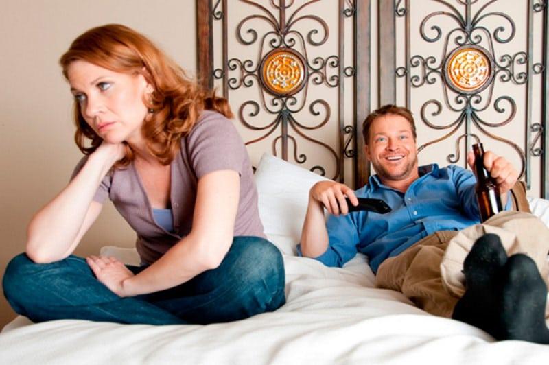 Как вести с мужем при запое мужа