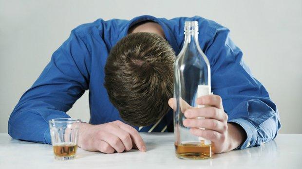 Как вывести человека из запоя в домашних условиях медикаментозно