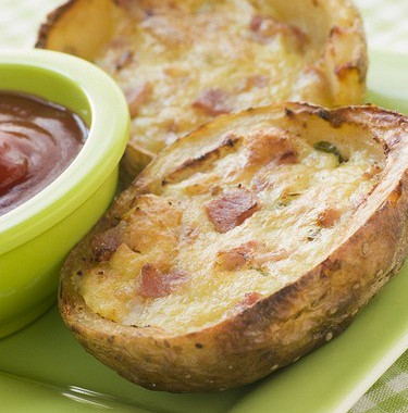 Рецепт Запеченный фаршированный картофель сброкколи, беконом исыром