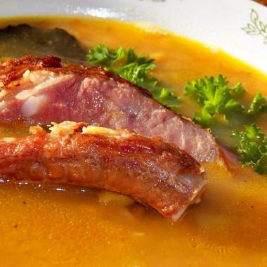 Рецепт Гороховый суп накопченых ребрышках сбеконом