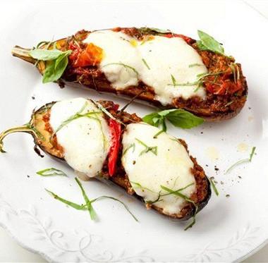 Рецепт Запеченные баклажаны смоцареллой
