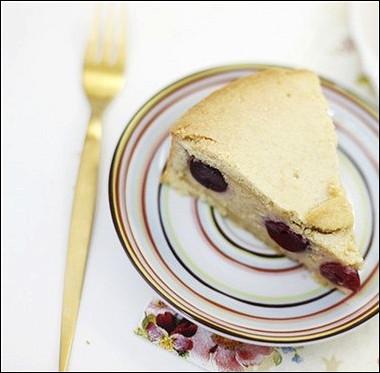 Рецепт Баскский пирог счерешней изаварным кремом