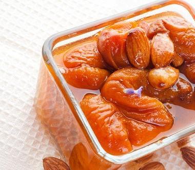 Рецепт Абрикосовое варенье сминдалем