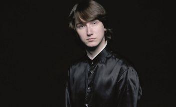 Максим Емельянычев