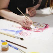 Музейное занятие «Свобода рисовать. Женщины и война»